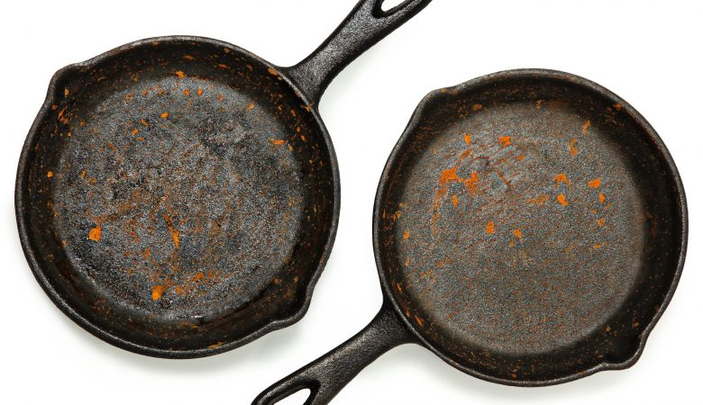 how to remove rust from cast iron cookware