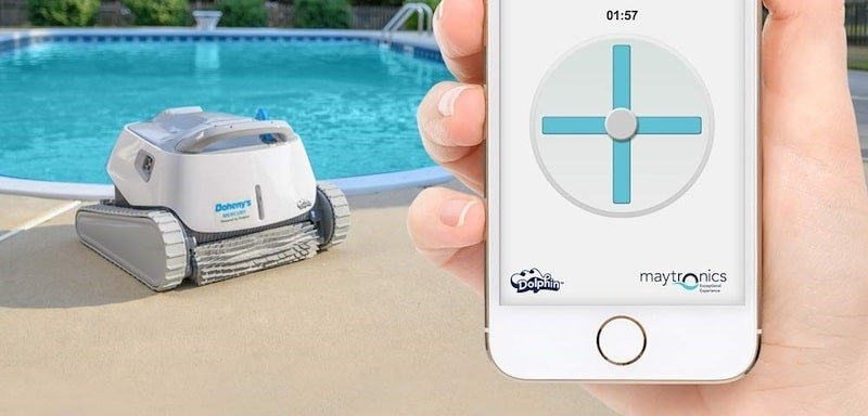 robotic pool cleaner with a smartphone